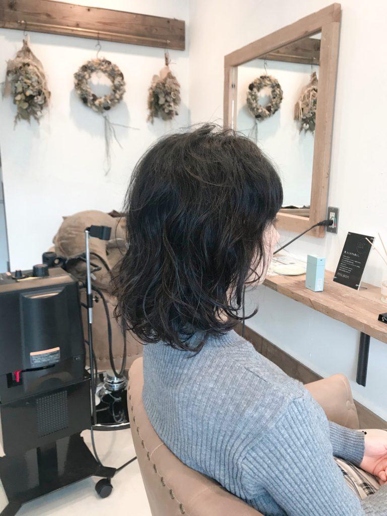 髪型、ヘアースタイル、ミディアムヘア ウエーブスタイル、ロブ、サイドスタイル